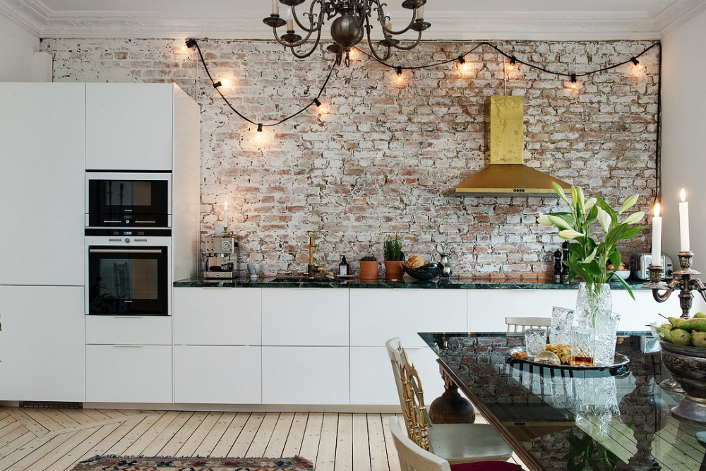 Naked-brick-wall-kitchen-with-a-golden-eye-catcher-170256.XL